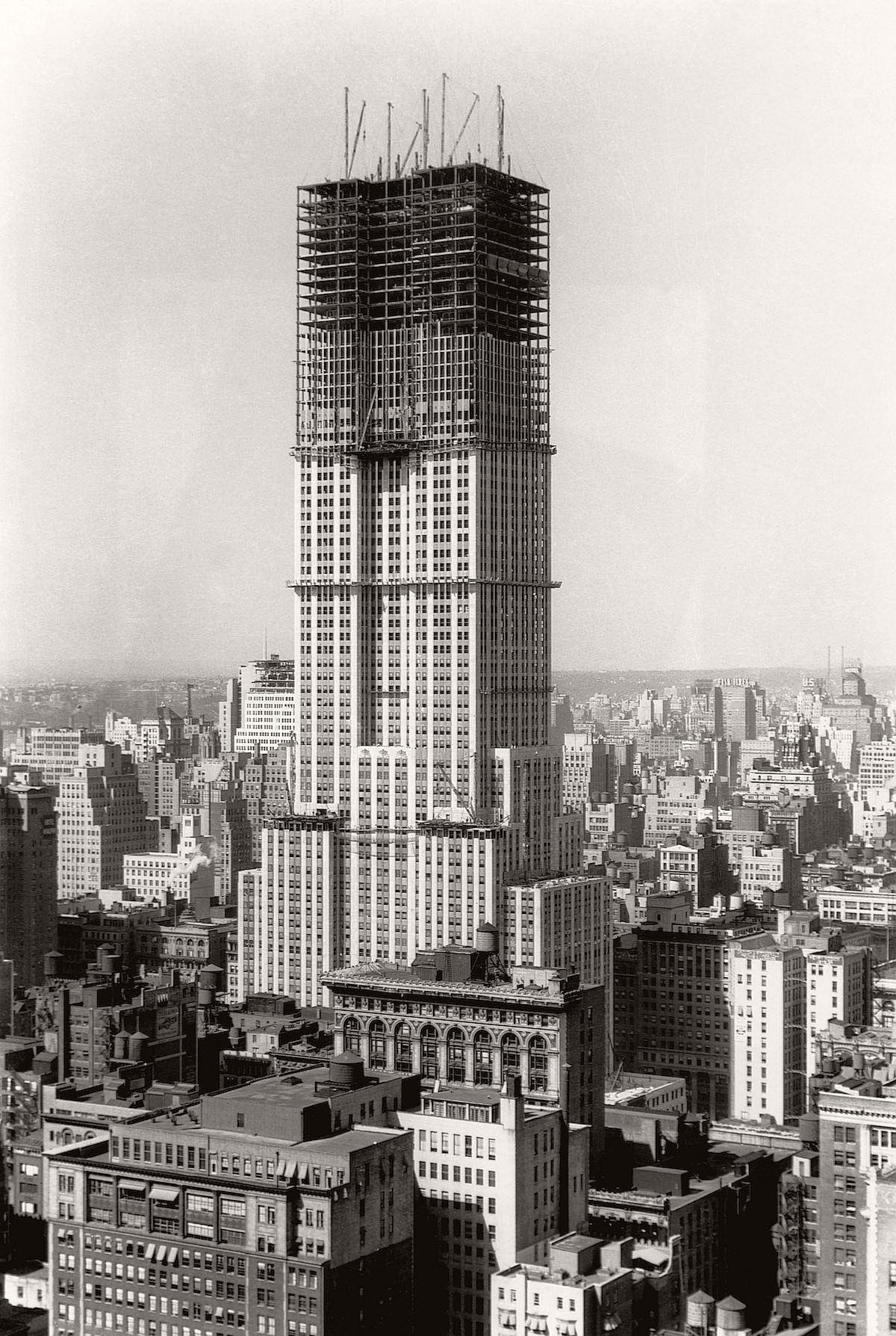 construction of the empire state building As the tallest building in the world from 1931 to 1971, the empire state building is the ancestor of all supertall skyscrapers and makes a lasting impression in the minds of all who have stood beneath, or atop, this international icon.
