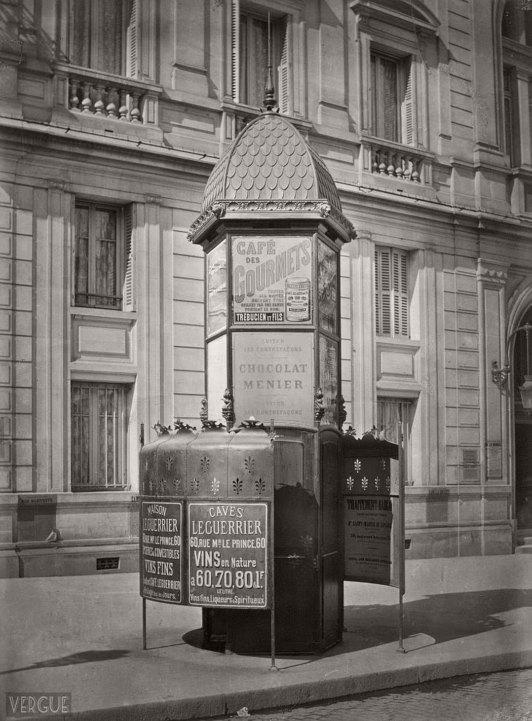 vintage-public-urinals-in-paris-by-charles-marville-19th-century-09