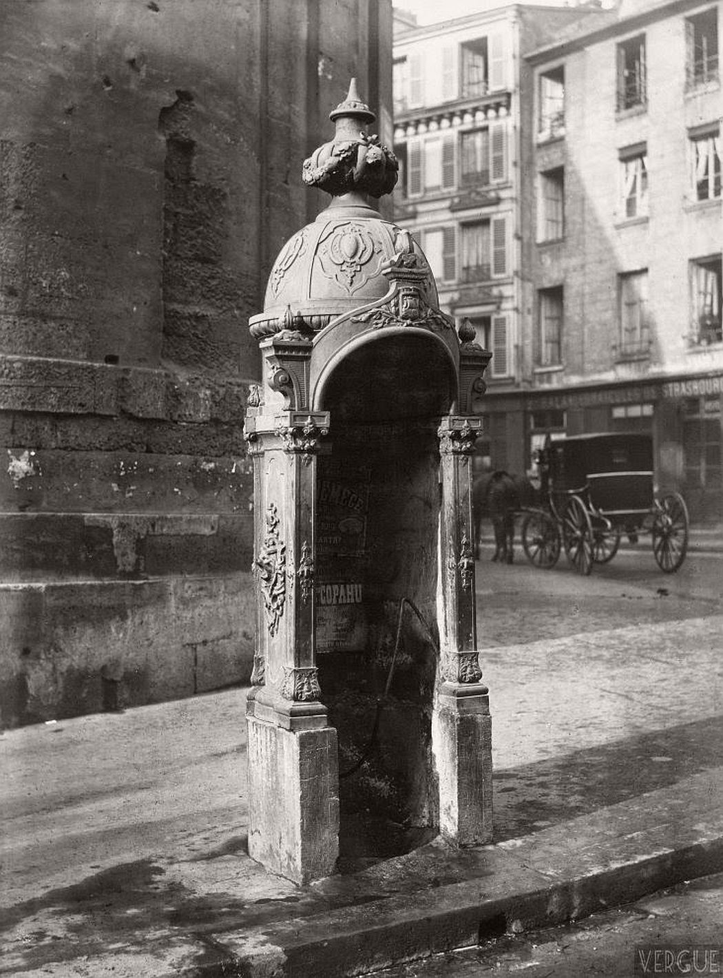 vintage-public-urinals-in-paris-by-charles-marville-19th-century-14