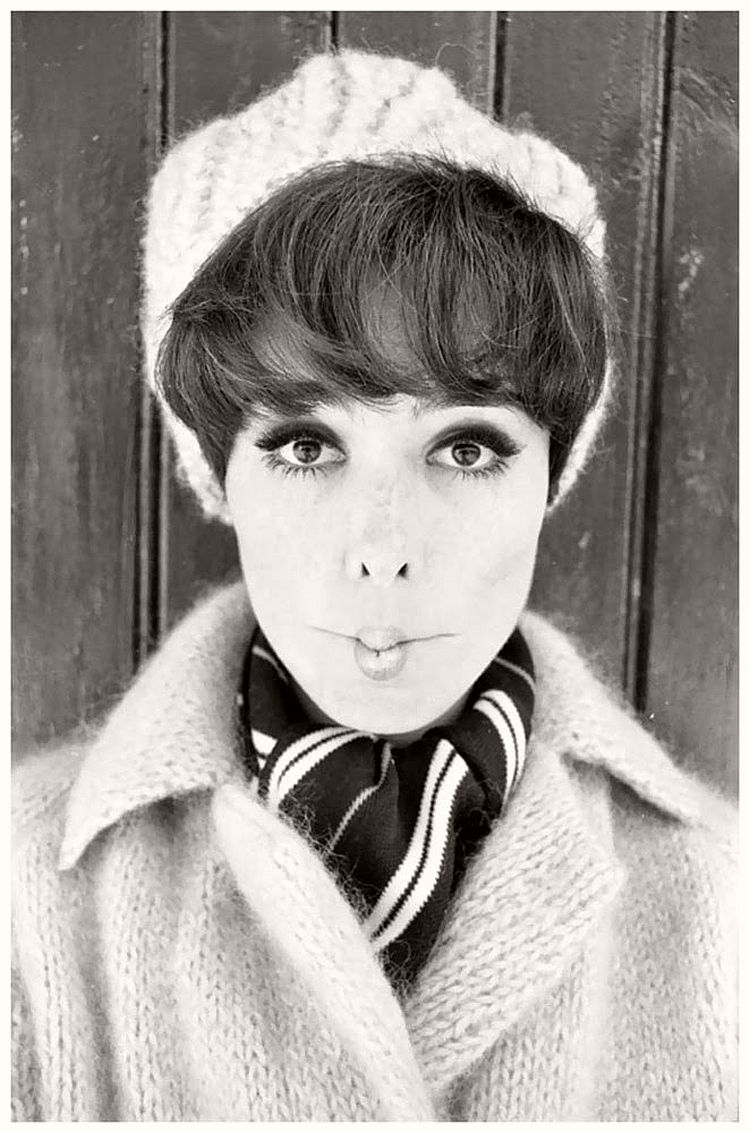 Mannequin - willy-rizzo-portraits-funny-faces-of-celebrities-1960s