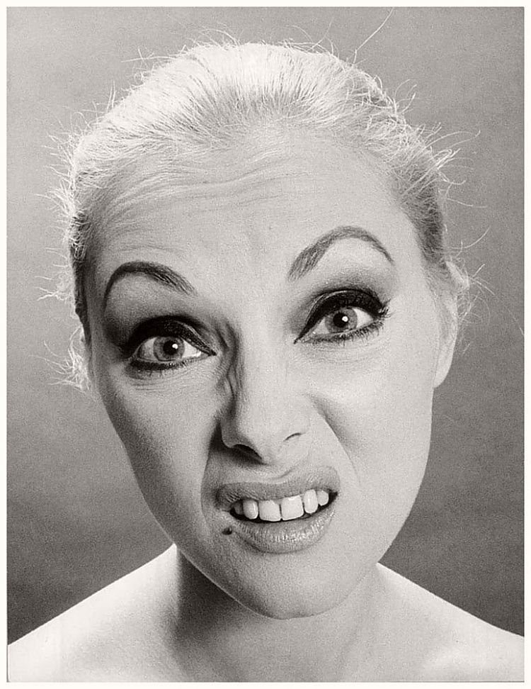 Virna Lisi - willy-rizzo-portraits-funny-faces-of-celebrities-1960s
