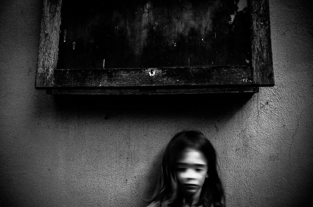 alicja-brodowicz-Learning_to_Swim-conceptual-photographer-04