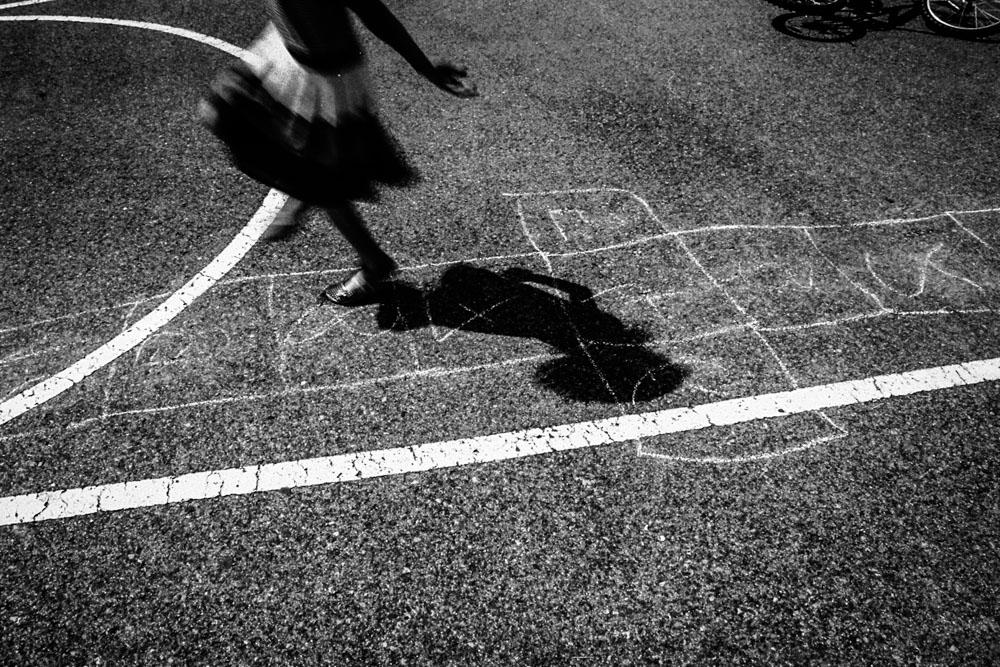 alicja-brodowicz-Learning_to_Swim-conceptual-photographer-14
