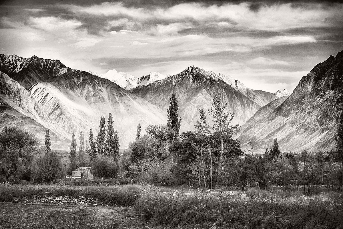 souvik-maitra-bw-landscape-photographer-17