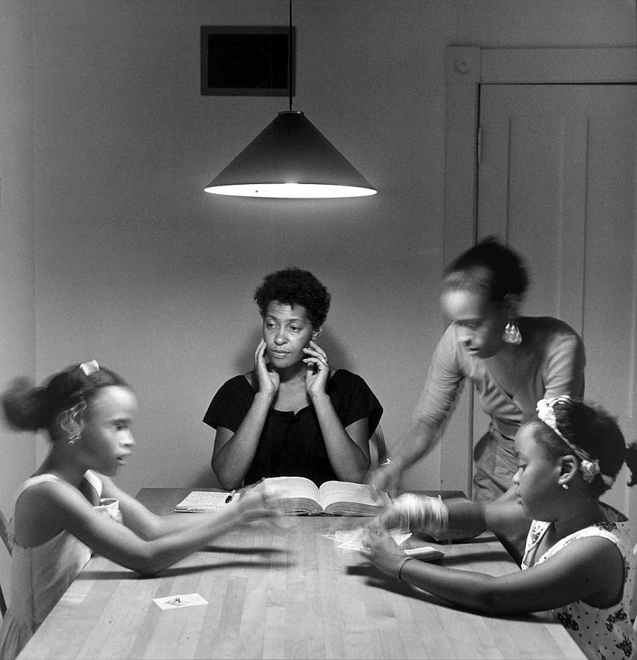 carrie-mae-weems-kitchen-table-series-09