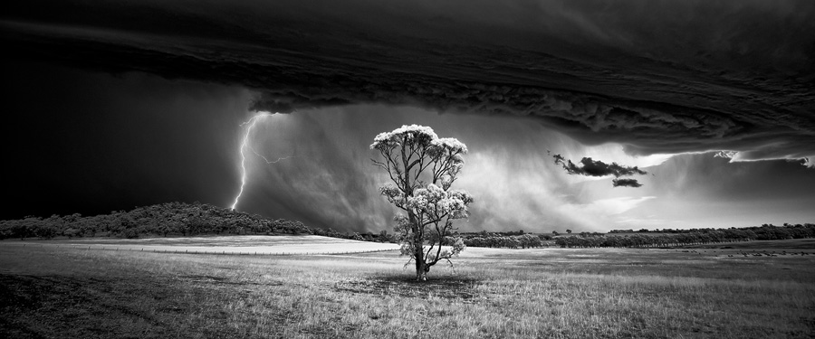 FIRST PLACE WINNER - Fine Art: Landscapes (PROFESSIONAL) Luke Tscharke (Australia) Barossa Bolt