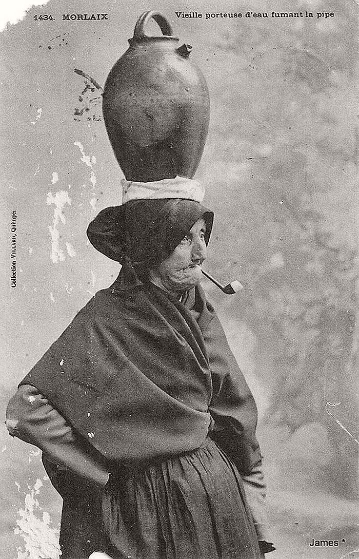 vintage-portraits-of-women-smoking-pipes-1900s-09
