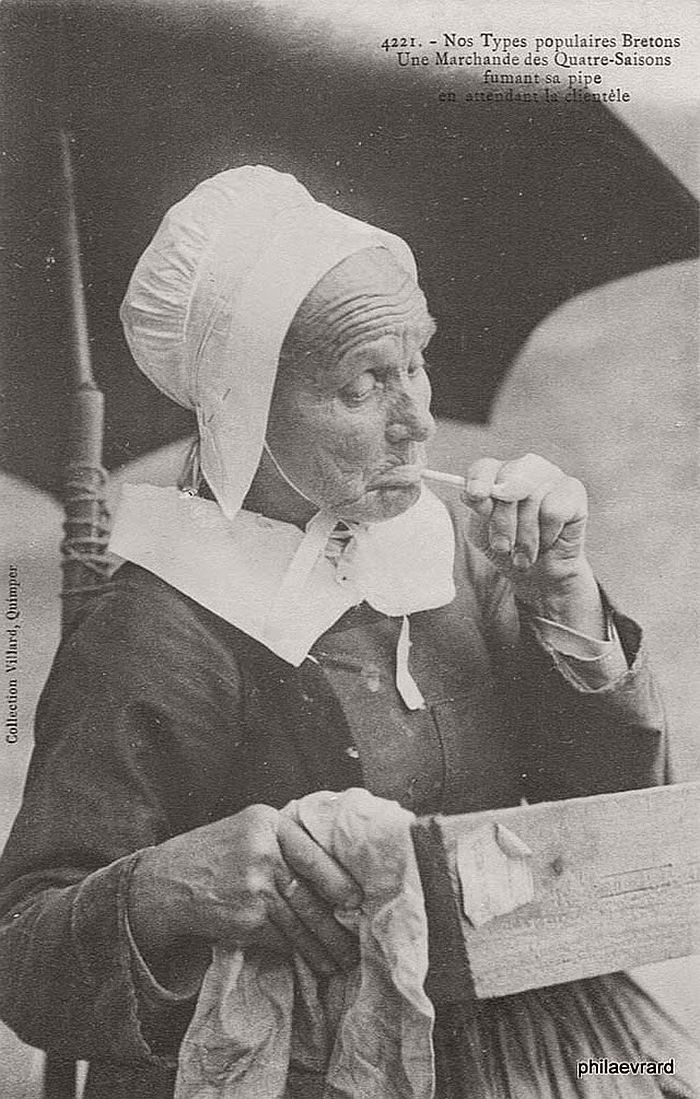 vintage-portraits-of-women-smoking-pipes-1900s-18