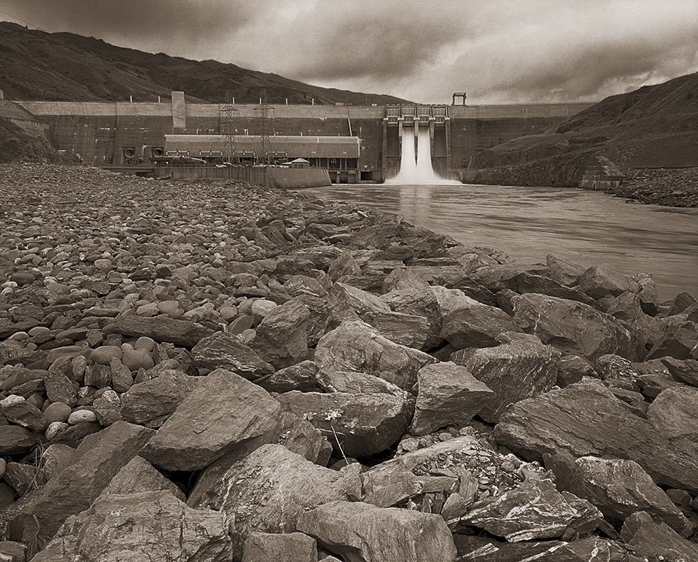 Jonathan_Bourla_Clyde_Dam_and_Rocks