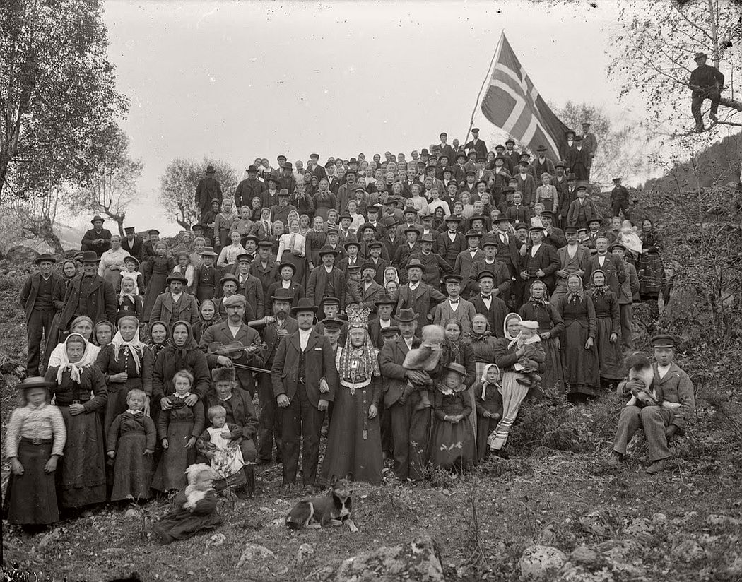 glass-plate-negatives-norwegian-weddings-from-the-early-20th-century-vintage-05