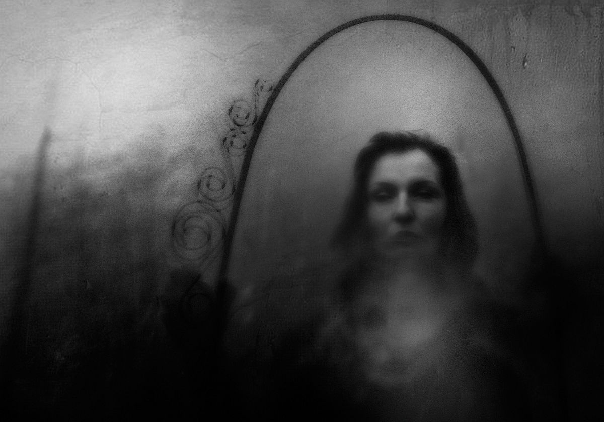rosita-delfino-conceptual-portrait-photographer-16