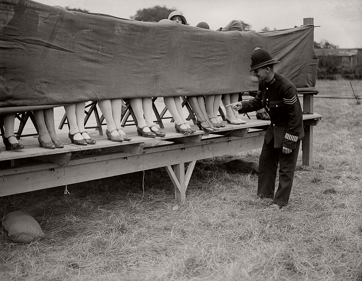 vintage-ankle-competitions-1930-1953-01