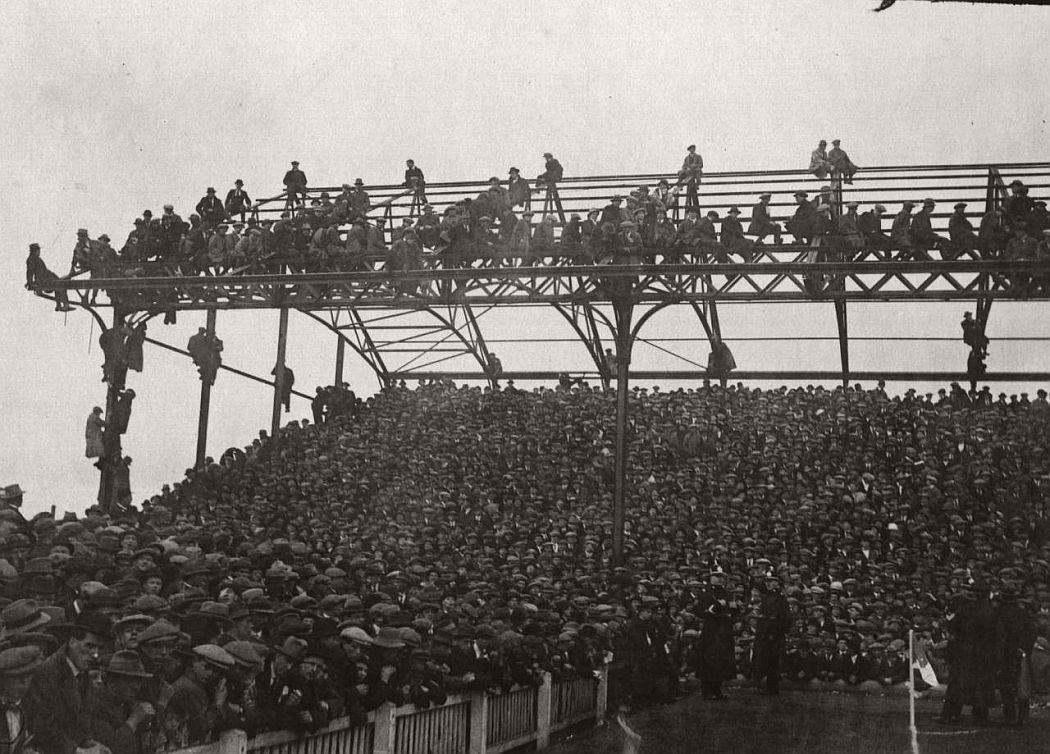 vintage-british-football-fans-1900-1930-05