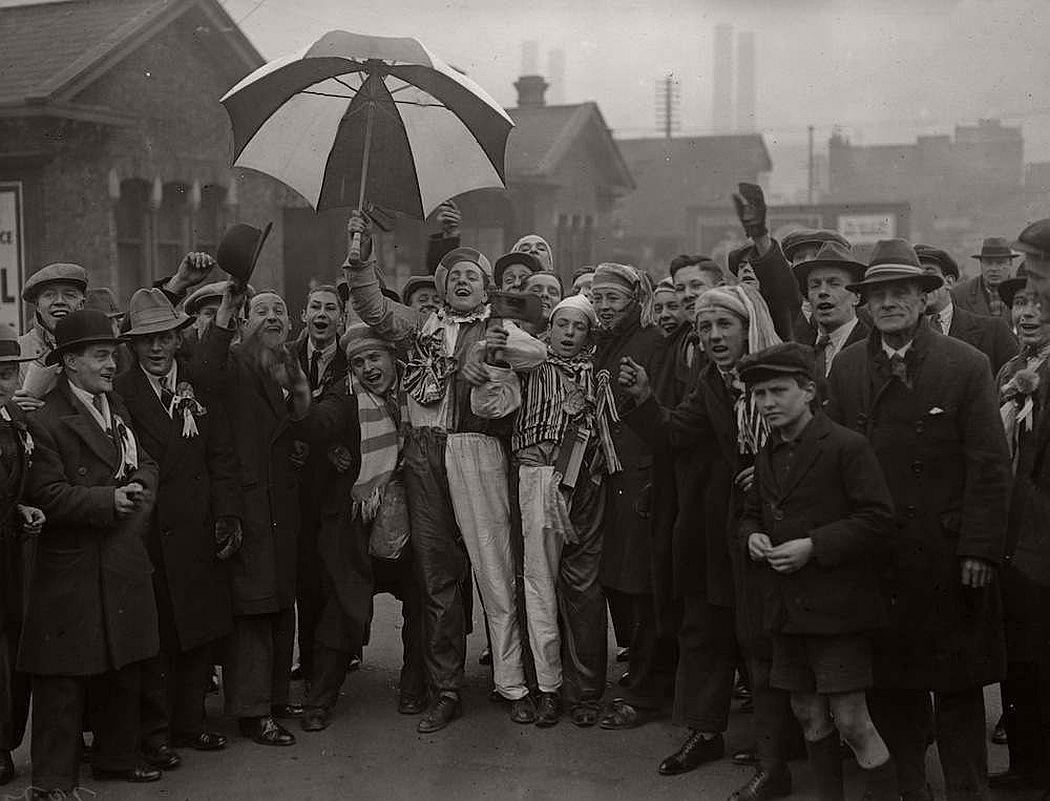 vintage-british-football-fans-1900-1930-09