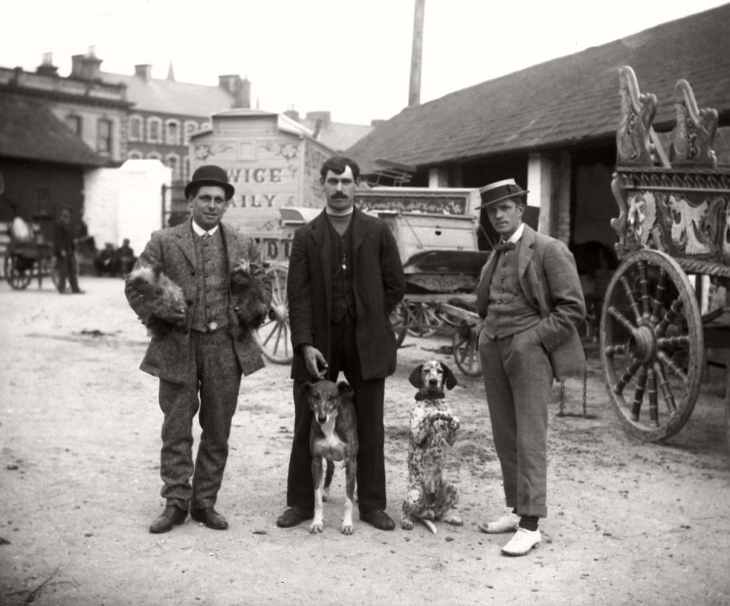 vintage-circus-performers-in-strabane-1910-1911-14