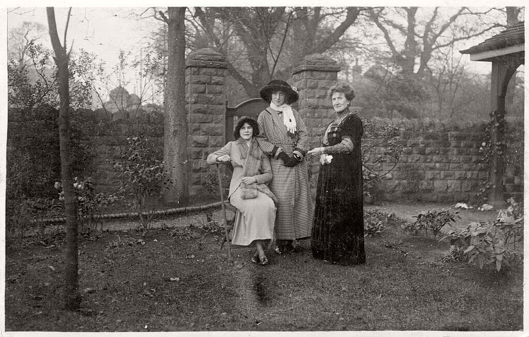 vintage-postcards-of-people-from-britain-early-xx-century-01