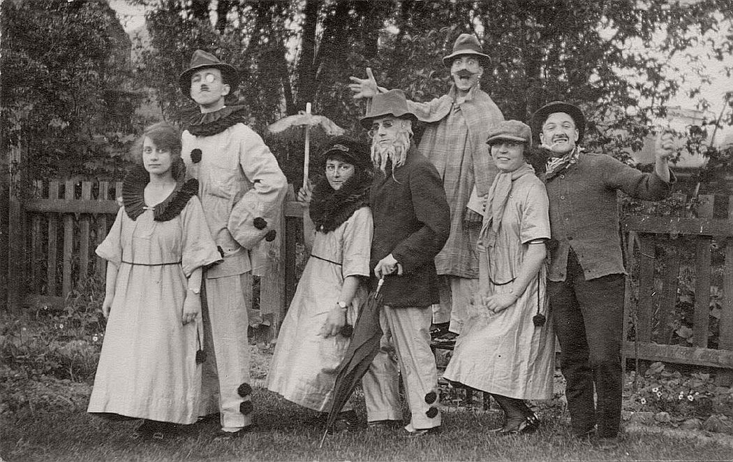 vintage-postcards-of-people-from-britain-early-xx-century-04