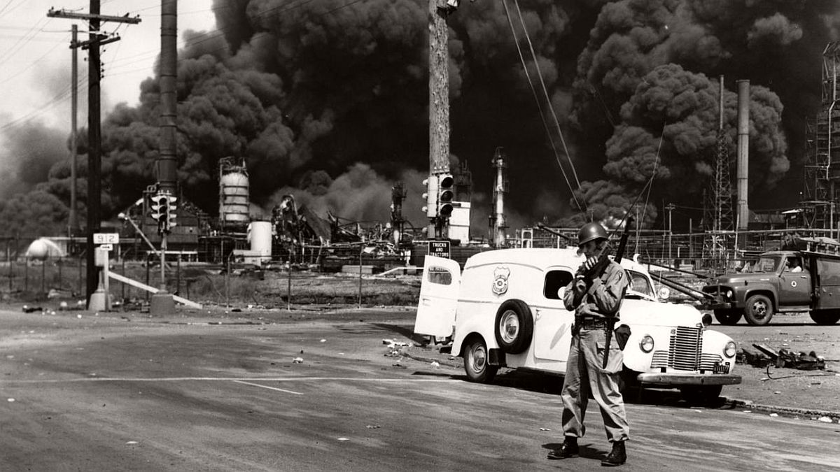 vintage-standard-oil-refinery-fire-1955-10