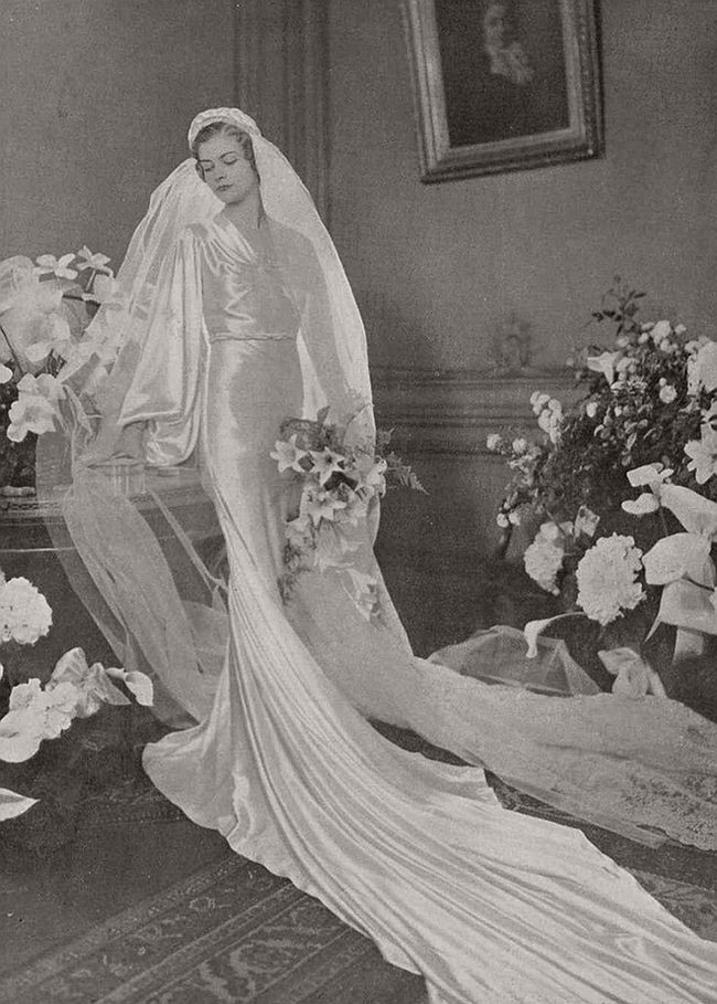 vintage-wedding-dresses-from-the-1920s-and-1930s-01