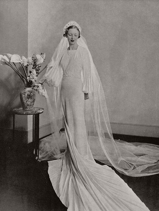 vintage-wedding-dresses-from-the-1920s-and-1930s-08