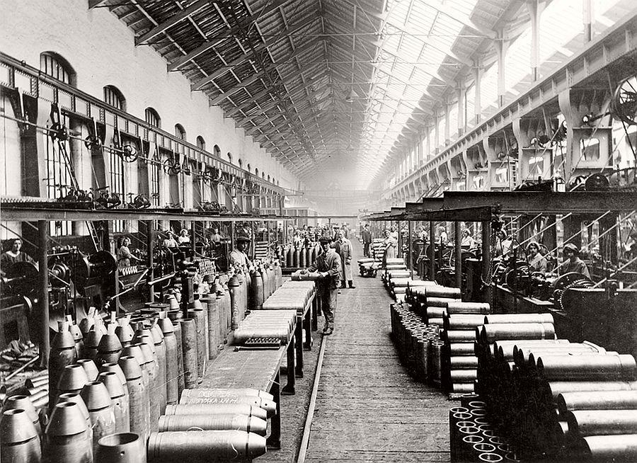 vintage-women-at-work-during-first-world-war-01