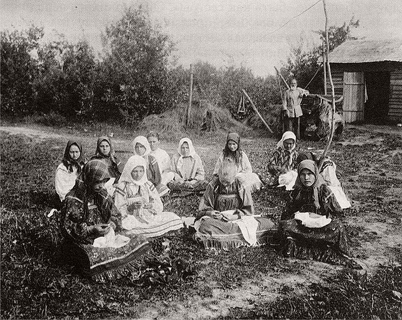 vintage-russian-peasants-and-their-craft-jobs-early-20th-century-05