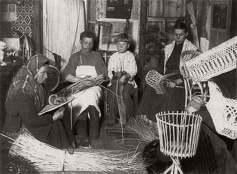 vintage-russian-peasants-and-their-craft-jobs-early-20th-century-16
