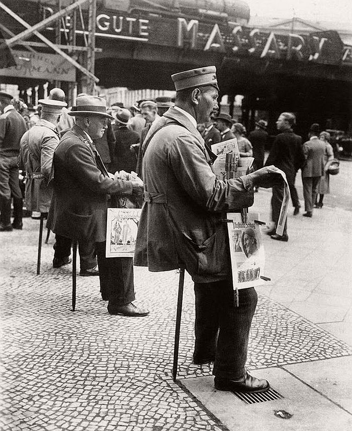 vintage-the-golden-twenties-in-berlin-1920s-01