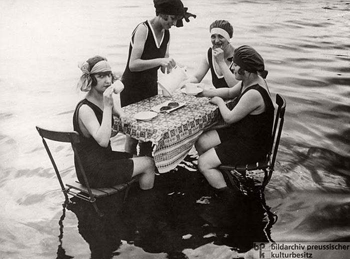 vintage-the-golden-twenties-in-berlin-1920s-04