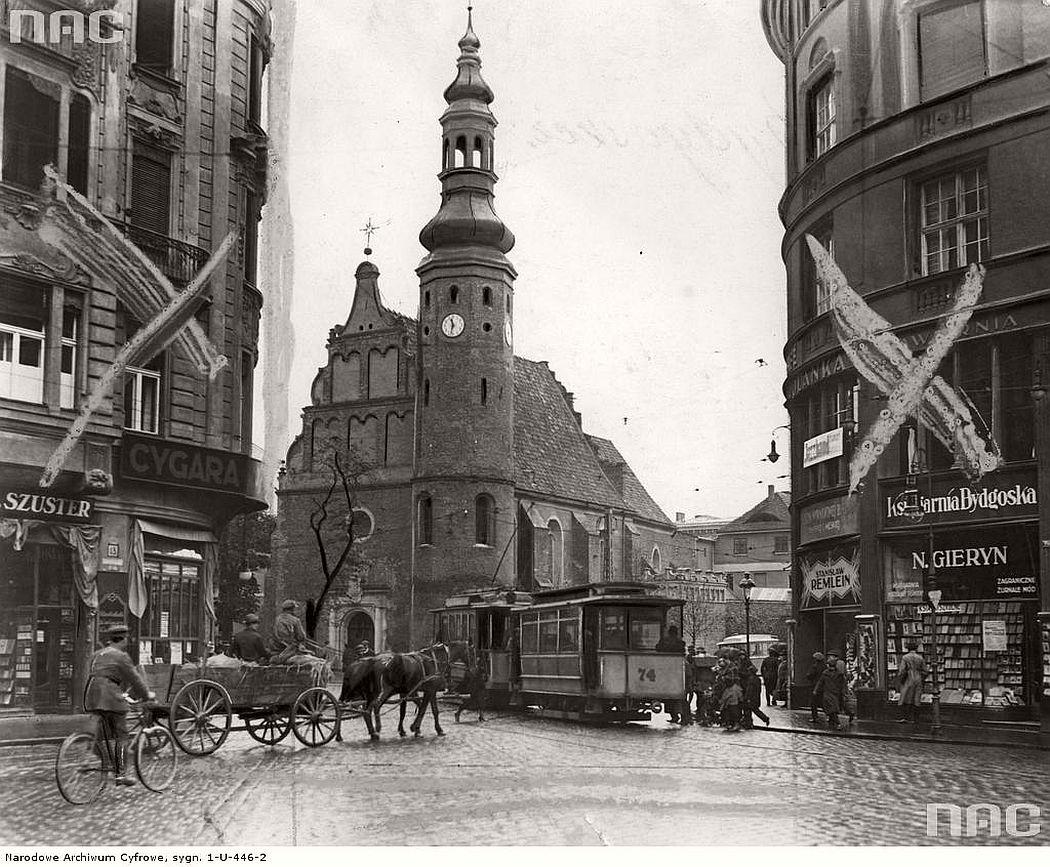 church-of-the-klarysek-wniebowziecia-najswietszej-maryi-panny-near-gdanska-street-in-bydgoszcz-1925