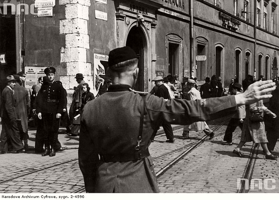 intersection-of-szczepanska-and-slawkowska-streets-in-krakow-1941