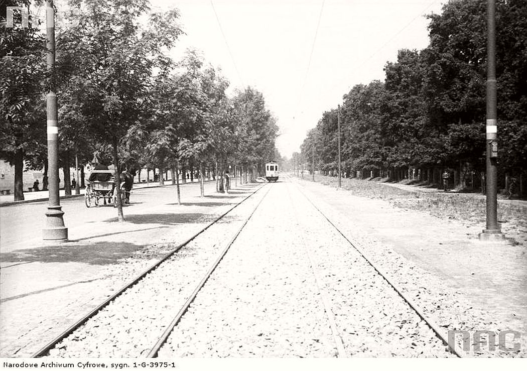the-new-tram-line-near-al-3-maja-in-krakow-1938