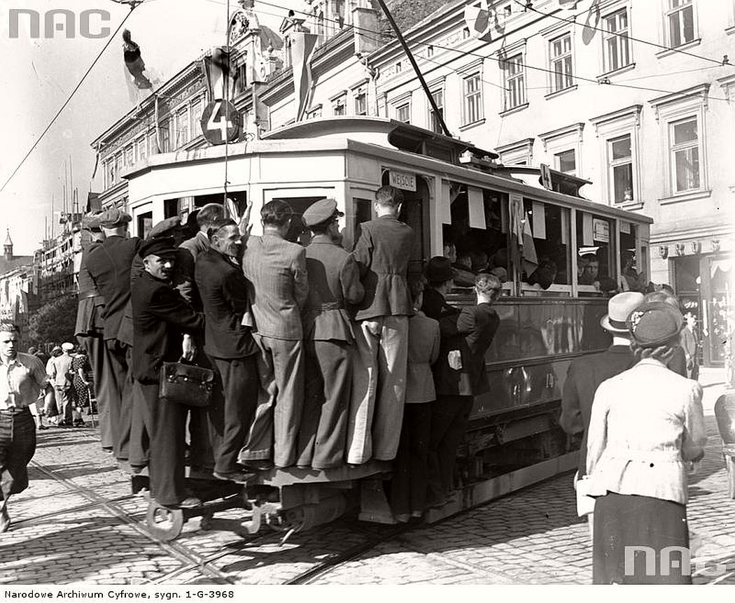 trams-in-krakow-1934