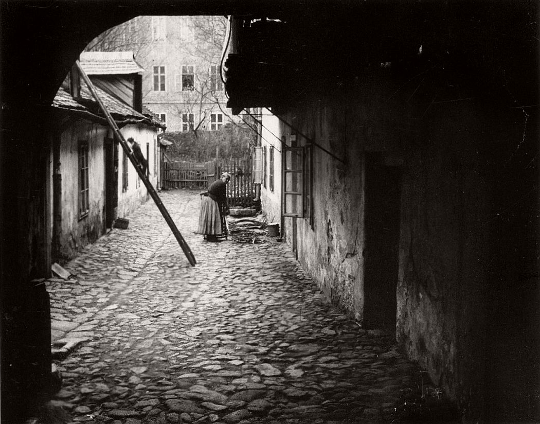 andre-kertesz-street-fine-art-07