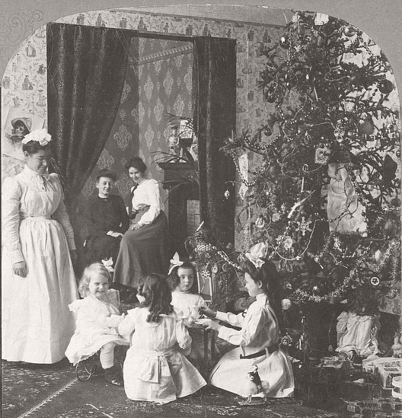 vintage-children-celebrating-christmas-1900s-early-xx-century-08