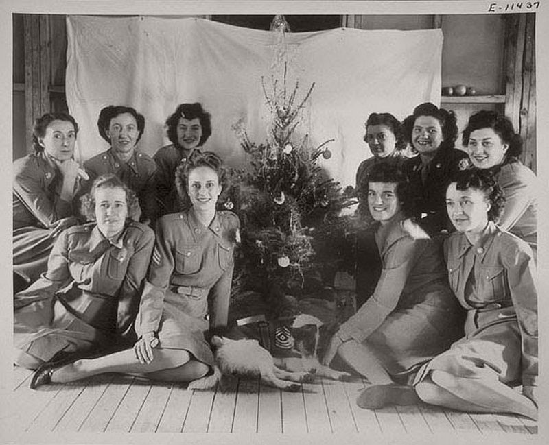 vintage-christmas-during-the-world-war-ii-1940s-09
