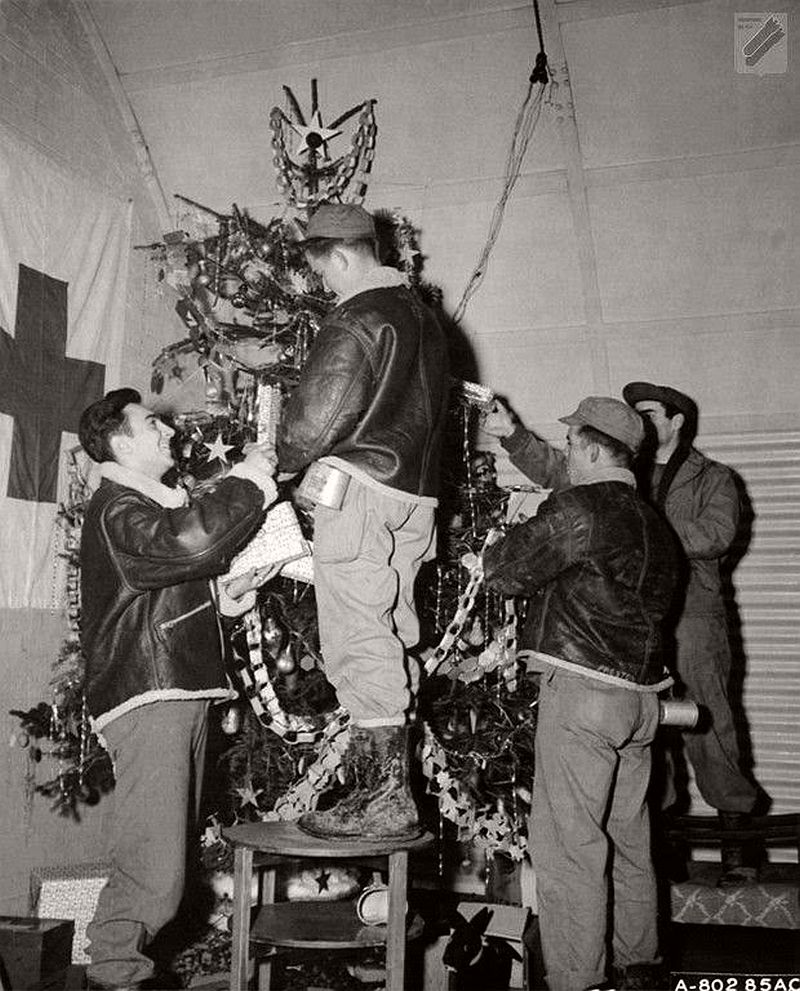 vintage-christmas-during-the-world-war-ii-1940s-10