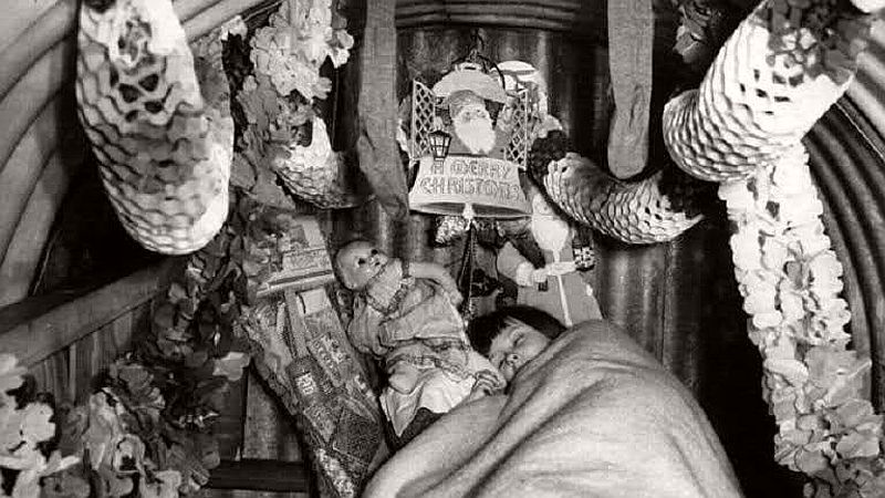 vintage-christmas-during-the-world-war-ii-1940s-19