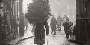 Vintage: Christmas on London's Streets (1908-1967)