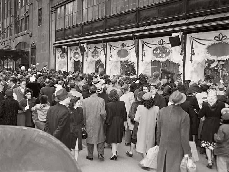 vintage-christmas-shopping-in-new-york-city-02