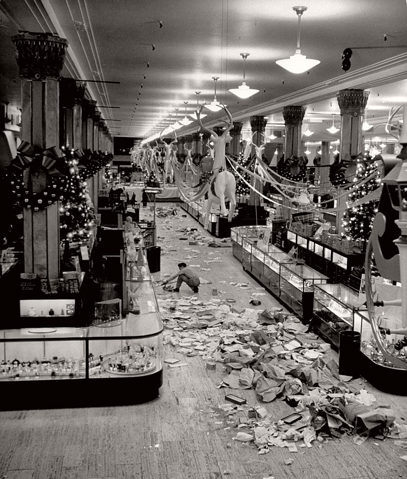 vintage-christmas-shopping-in-new-york-city-04