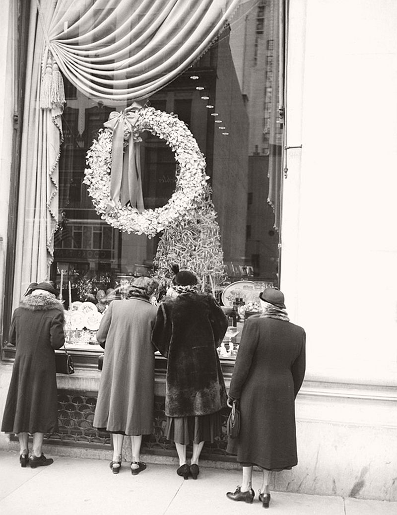 vintage-christmas-shopping-in-new-york-city-13