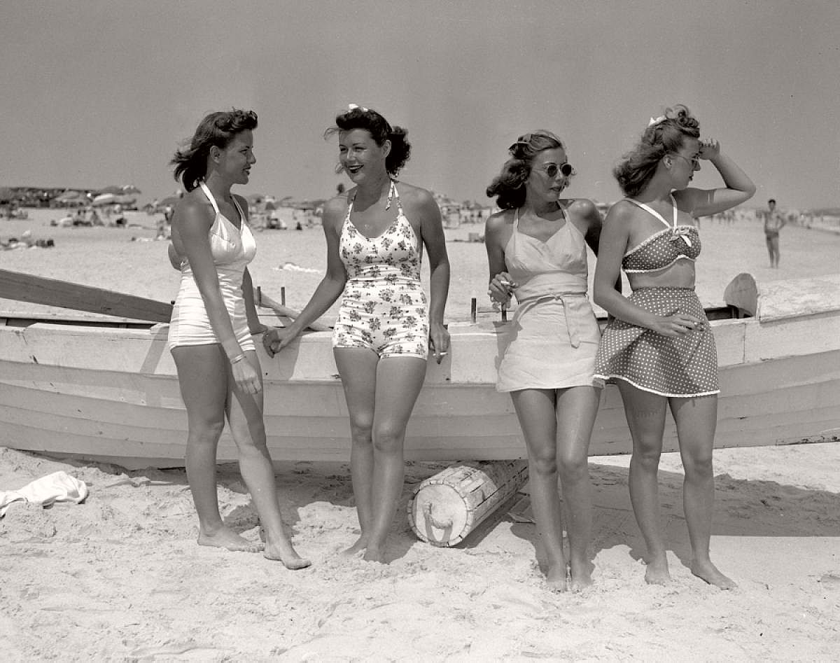 vintage-girls-in-swimsuits-new-york-city-1930s-1940s-03