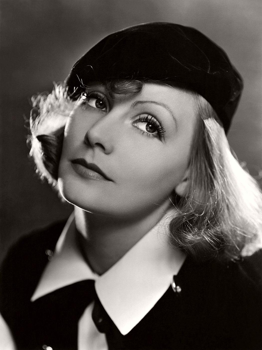 vintage-greta-garbo-portraits-1920s-1930s-05