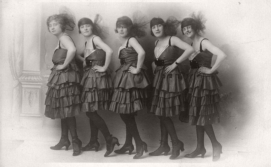 vintage-group-photos-of-dancing-girls-1910s-1930s-11