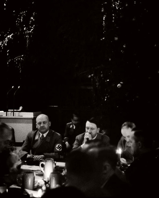 vintage-nazi-christmas-party-1941-06