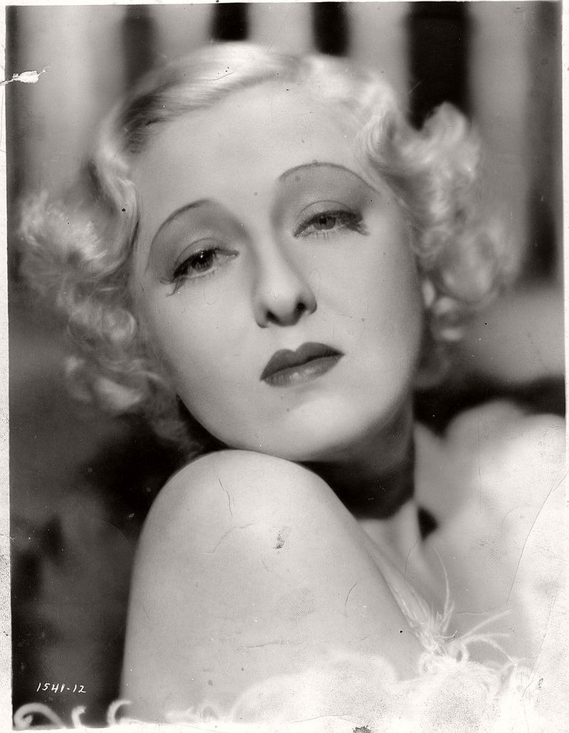 vintage-portraits-of-american-actresses-1920s-1940s-03