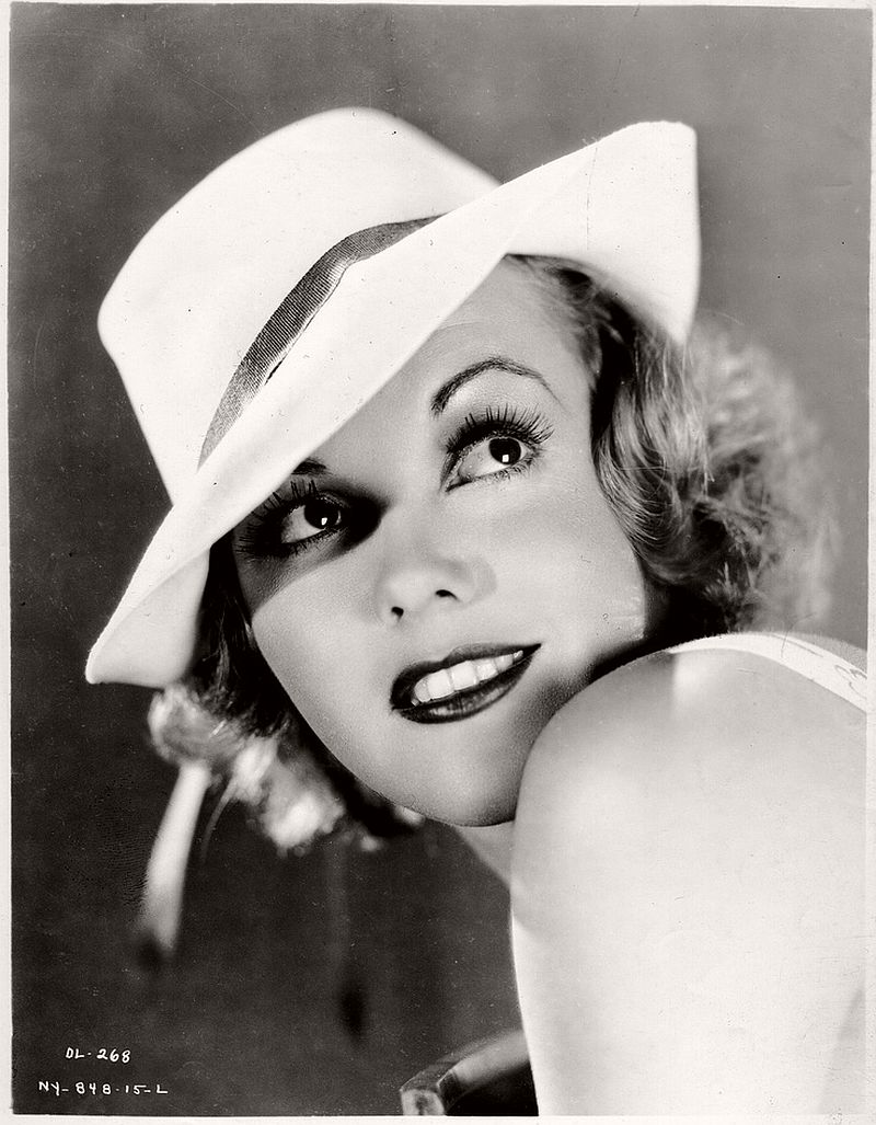 vintage-portraits-of-american-actresses-1920s-1940s-13