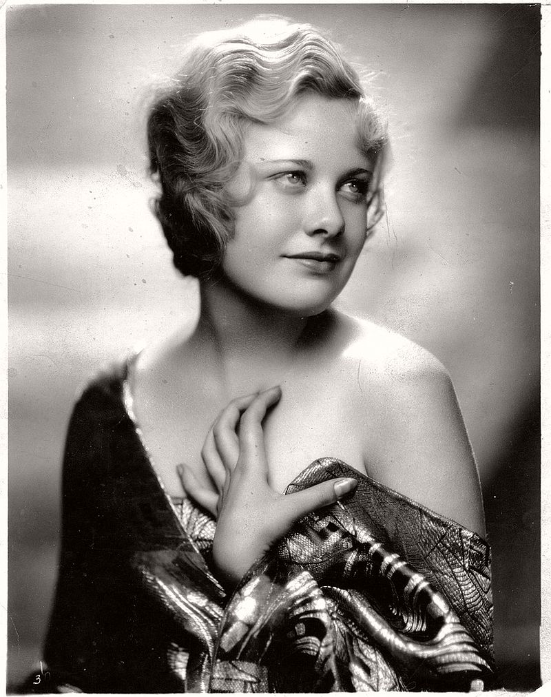 vintage-portraits-of-american-actresses-1920s-1940s-14