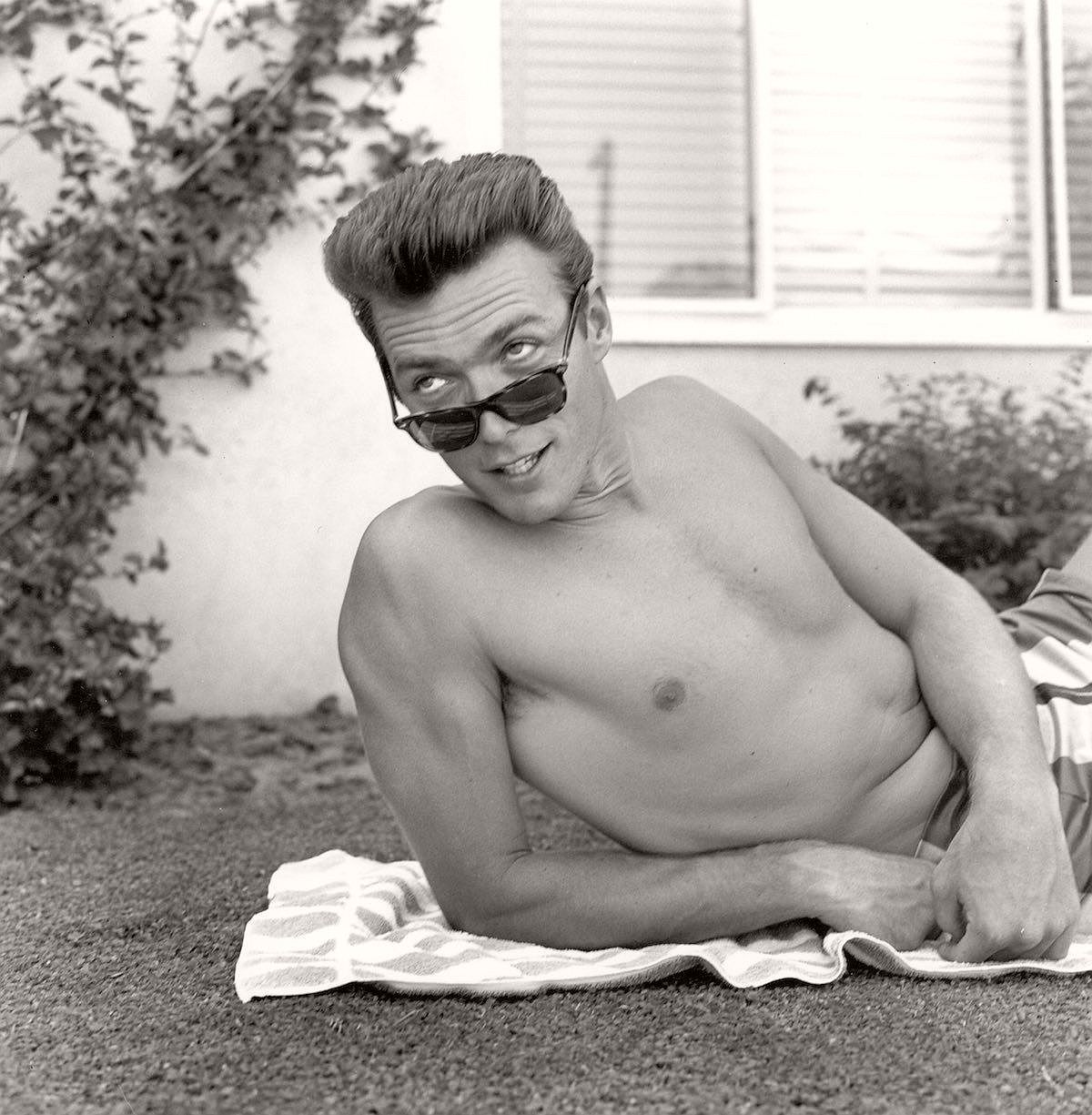 vintage-young-clint-eastwood-1956-07